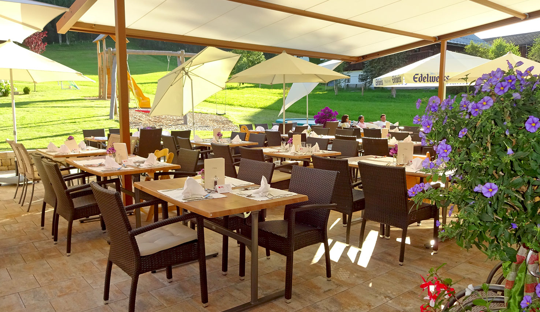 Sonnenterrasse, 4 Sterne Hotel Taxerhof in Radstadt
